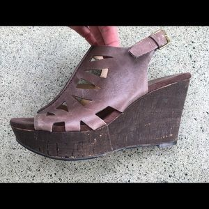 NINE WEST Wedge Sandal size 9 brown